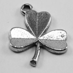 L20 - Medium Shamrock Leaf