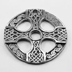 R094 - Celtic Short Circle Cross