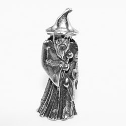 W019 - Small Standing Wizard
